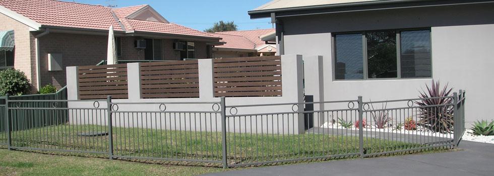 Kwikfynd Boundary fencing aluminium 14