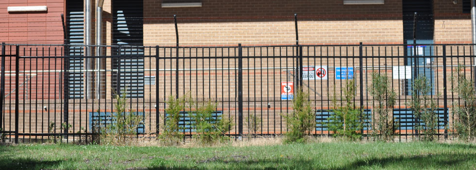 Kwikfynd Boundary fencing aluminium 36