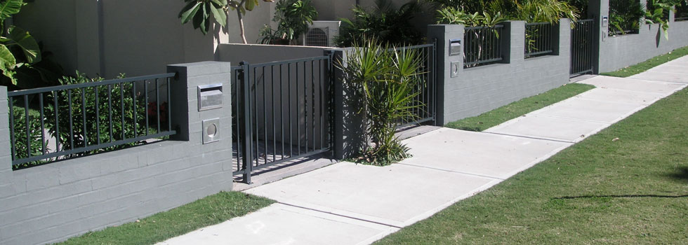 Kwikfynd Boundary fencing aluminium 3old