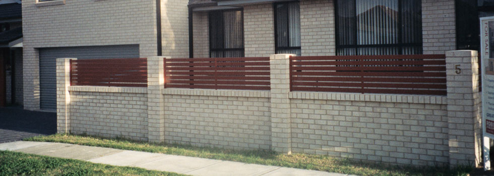 Kwikfynd Boundary fencing aluminium 6