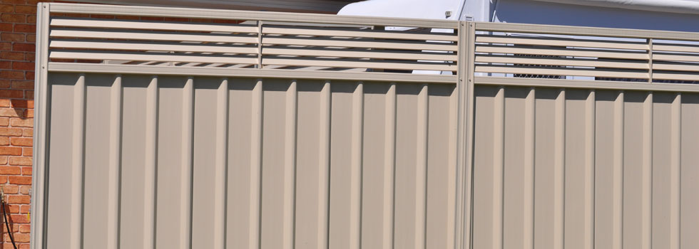 Kwikfynd Colorbond fencing 12
