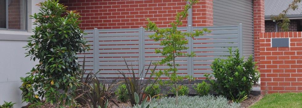 Kwikfynd Garden fencing 11