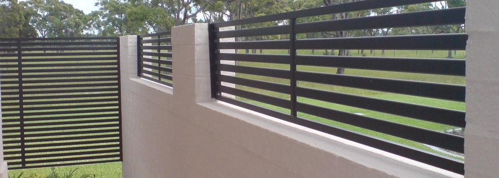 Kwikfynd Garden fencing 22