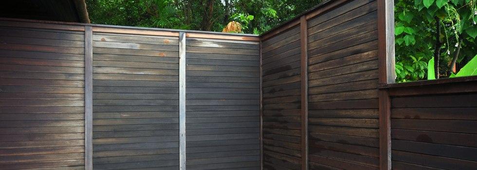 Kwikfynd Garden fencing 26