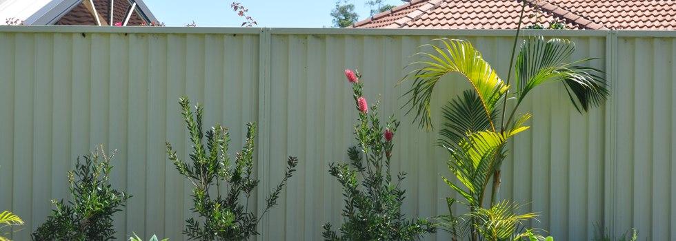 Kwikfynd Garden fencing 40