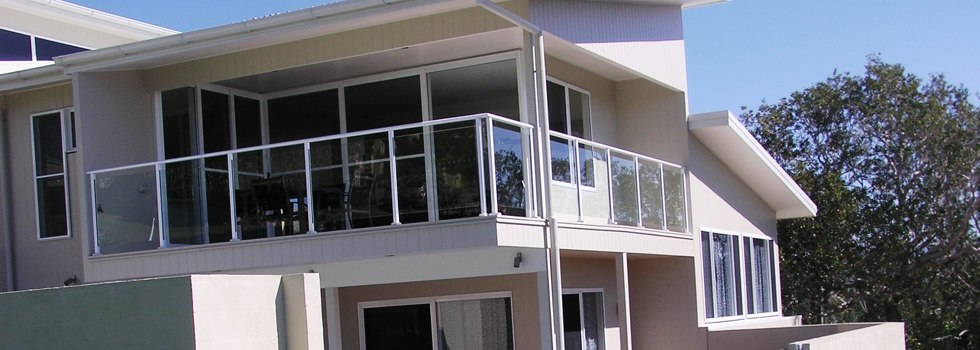 Kwikfynd Glass balustrading 6