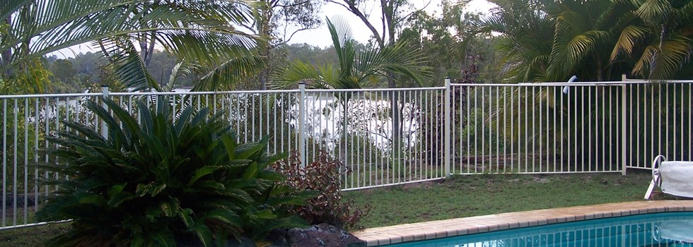 Kwikfynd Pool fencing 3