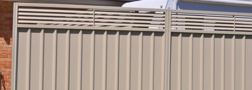 Kwikfynd Privacy fencing 42